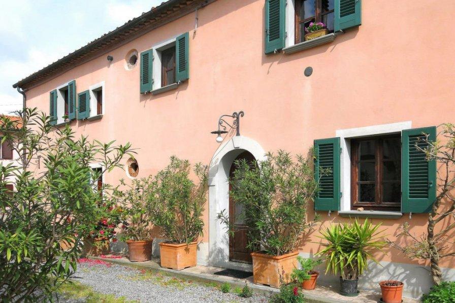 Villa in Italy, Orciano Pisano
