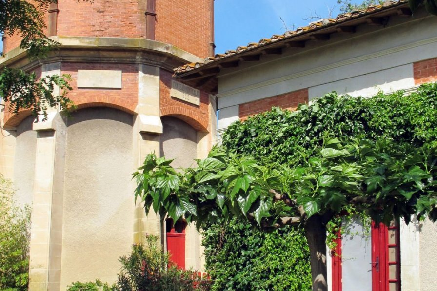 House in France, Vauvert