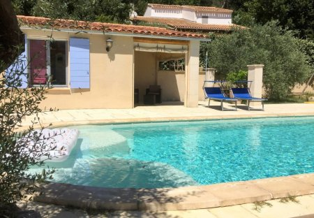 House in Villelaure, the South of France