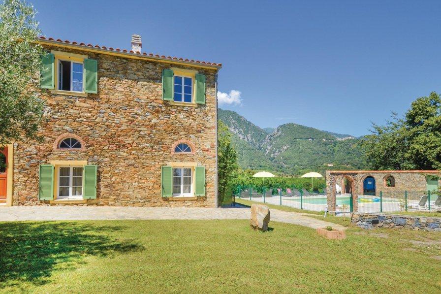 Holiday villa in Santa-Maria-Poggio with shared pool