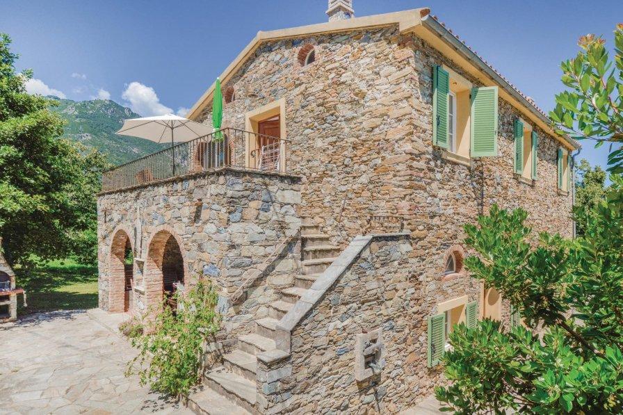 Santa-Maria-Poggio villa to rent