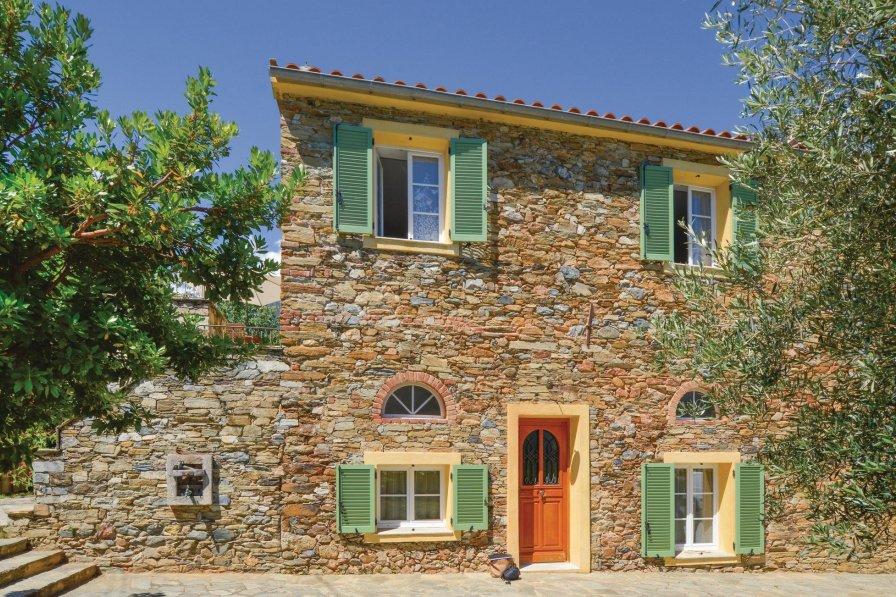 Villa to rent in Santa-Maria-Poggio