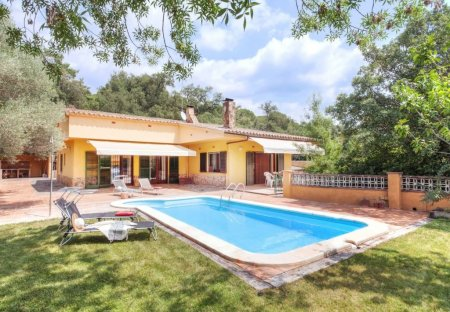 Villa in Llagostera, Spain