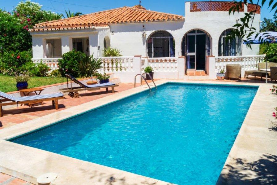 El Faro holiday villa rental with private pool