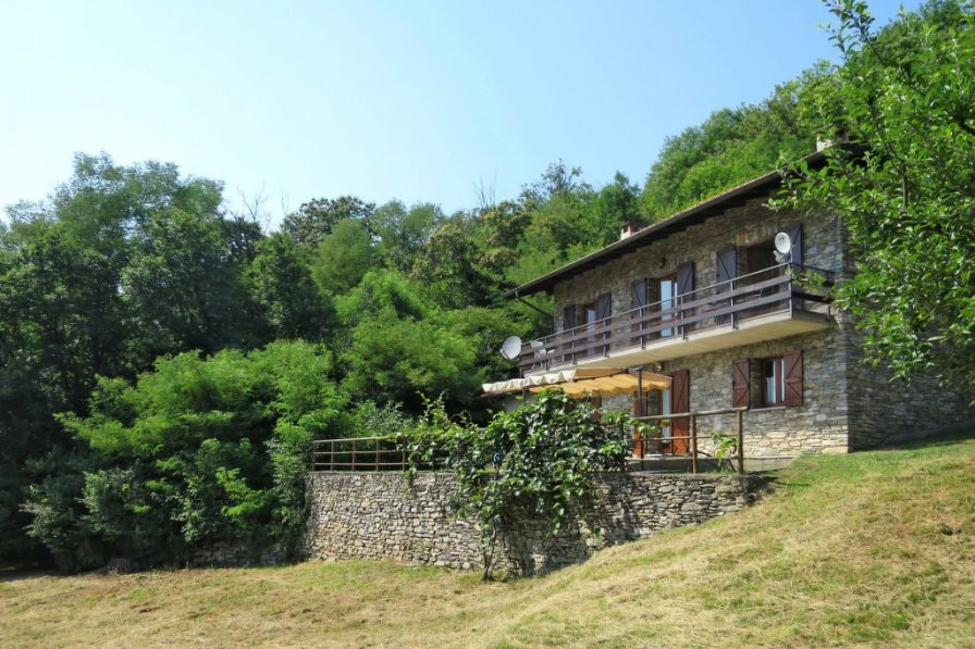 Apartment in Italy, Colmegna