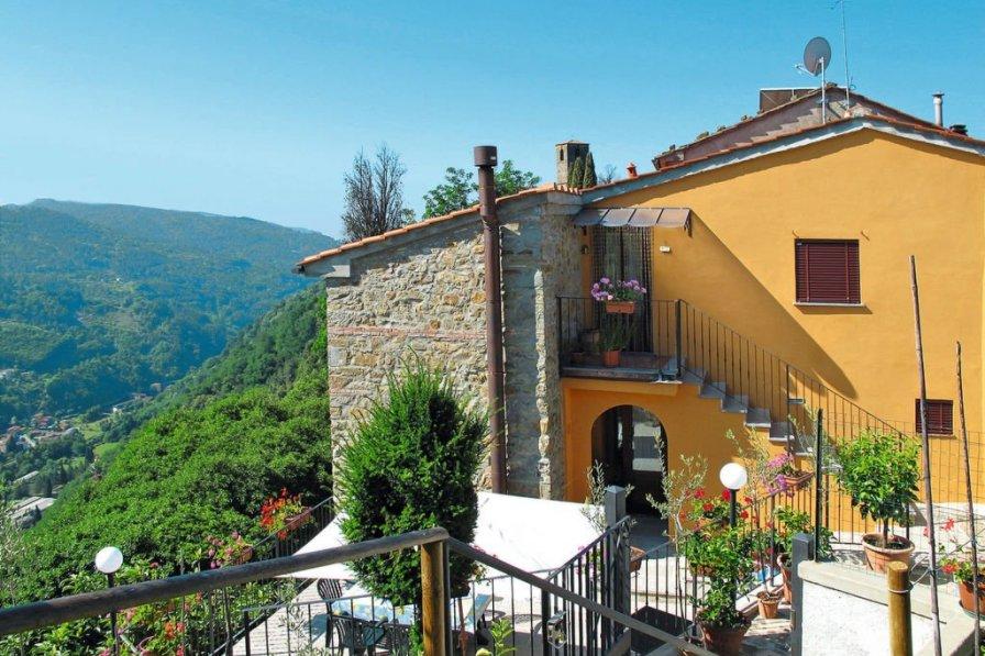Villa in Italy, Aramo