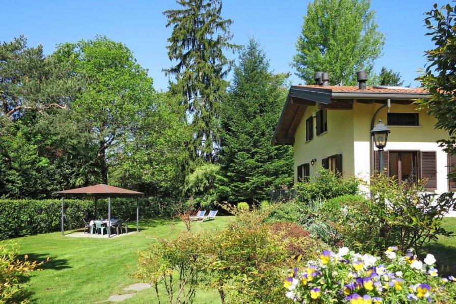 Apartment in Italy, Cerro