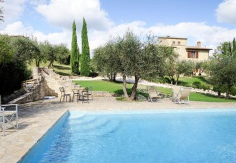 5 bedroom Villa for rent in Collazzone