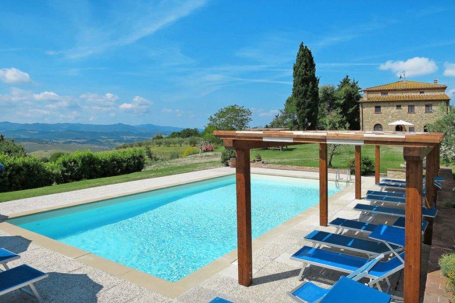 Apartment in Italy, Volterra