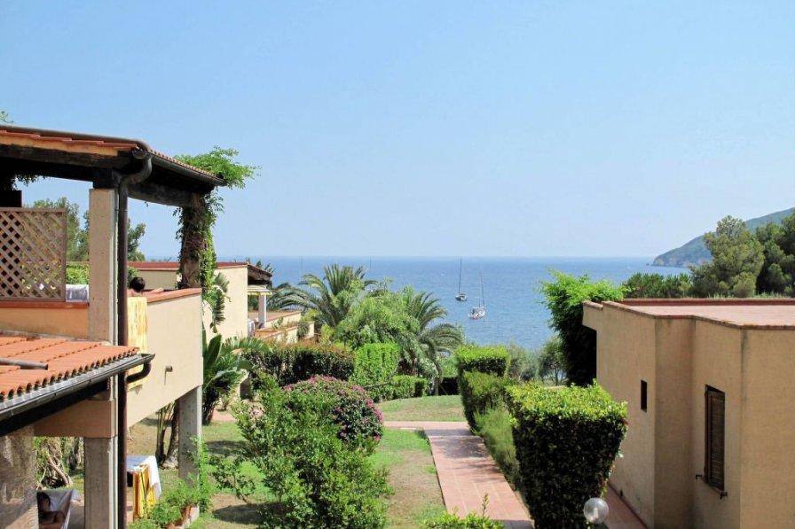 Apartment in Italy, Lacona