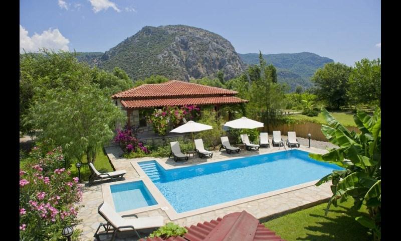 Villa in Turkey, Dalyan: Pool and Front Garden