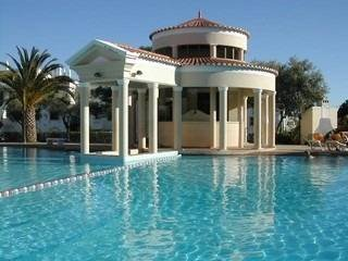 Owners abroad 5 Bed Townhouse by Main Pool, Old Village