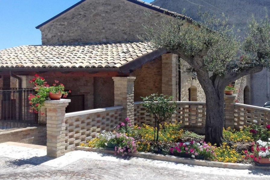 Borgo Agrituristico Il Pino (ONA202)