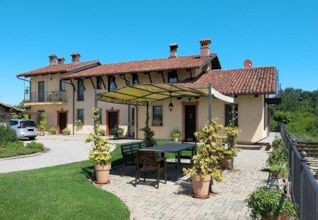 Villa in Bene Vagienna, Italy