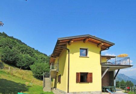 Villa in Corrido, Italy