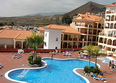 Apartment in Spain, Los Cristianos: Pool from balcony