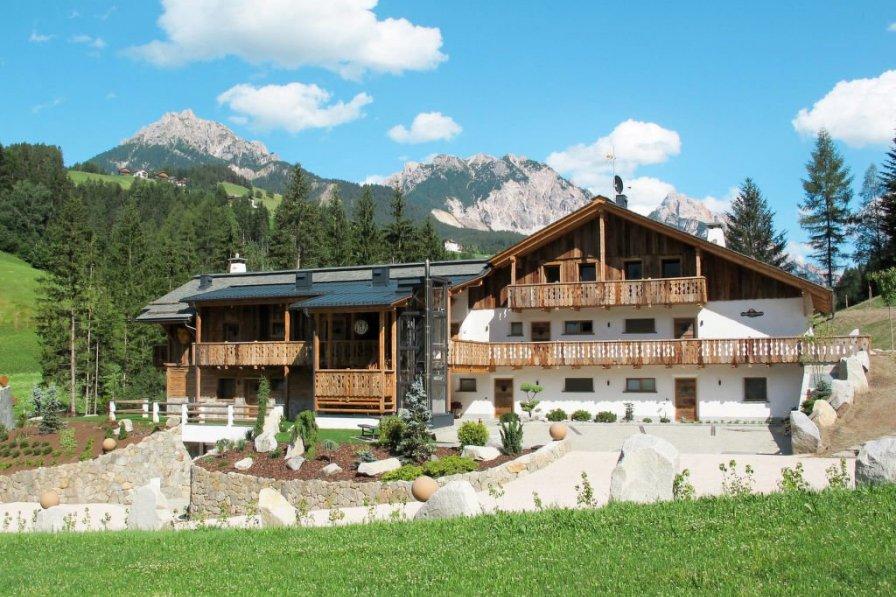 Alpine Mountain Chalet (SVL167)