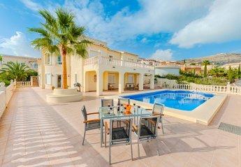 6 bedroom Villa for rent in Moraira