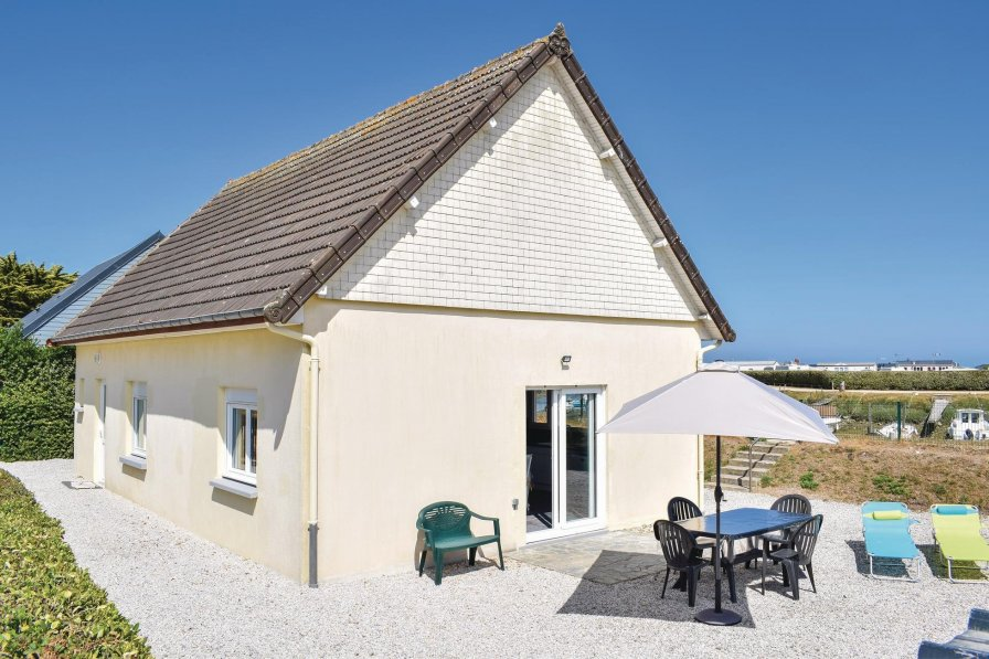 Villa in France, Lestre