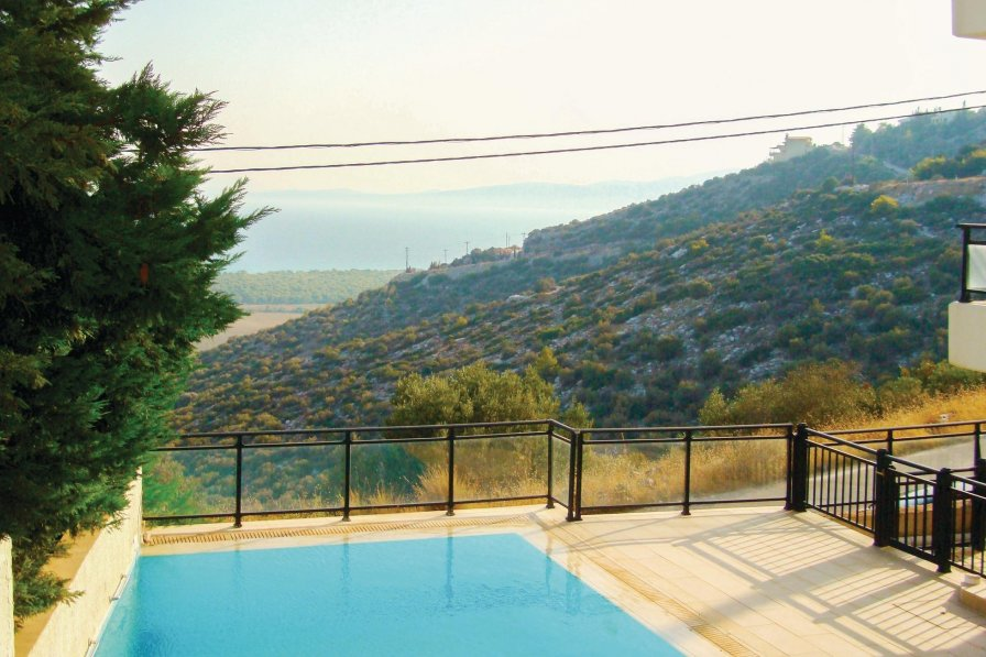 Villa rental in Athens City with shared pool