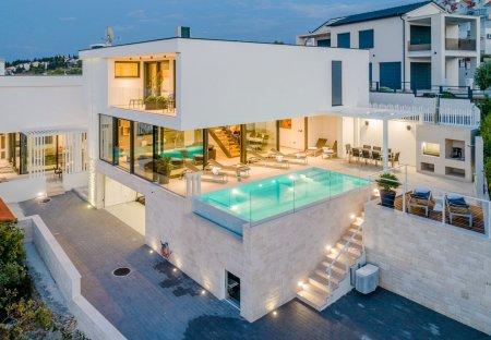 Villa in Sutivan, Croatia