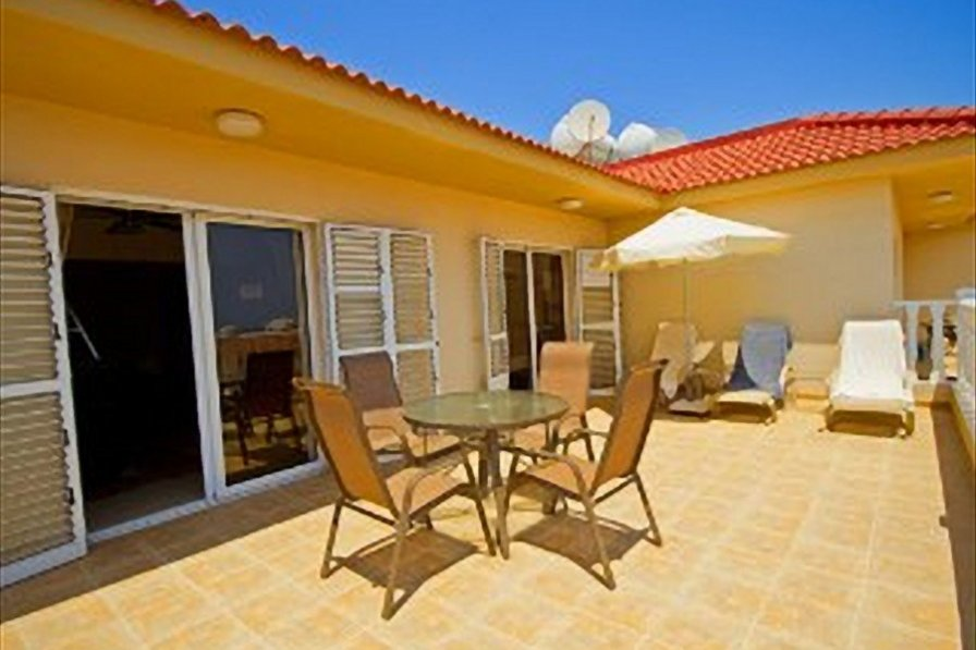Nissi Beach Seaview Penthouse, 5 mins Nissi Beach, WIFI, Pool