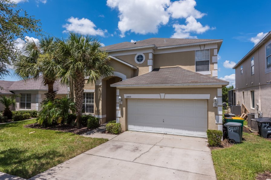 Brand new lake front vacation home close to Disney