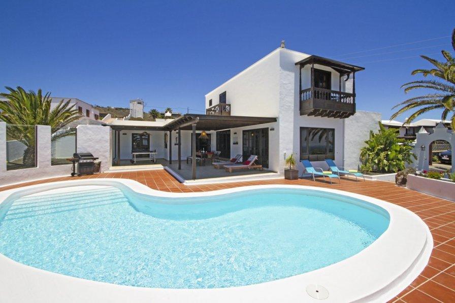 Villa in Spain, La Asomada: www.ronn-ballantyne.com
