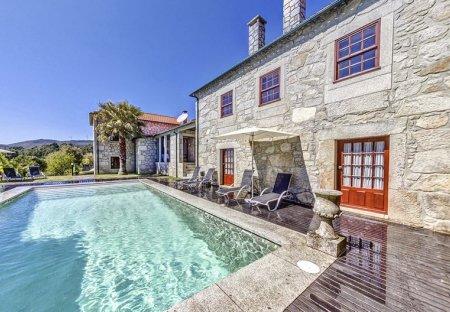 Villa in Trás-o-Rio, Portugal