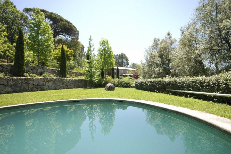 Villa in Portugal, Mata