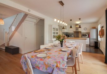 4 bedroom House for rent in Dinard