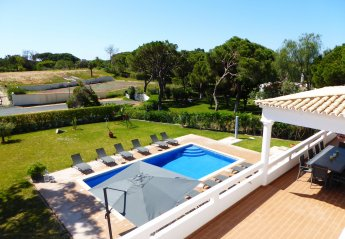 6 bedroom Villa for rent in Quarteira