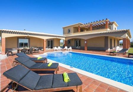 Villa in Areias de Pera, Algarve