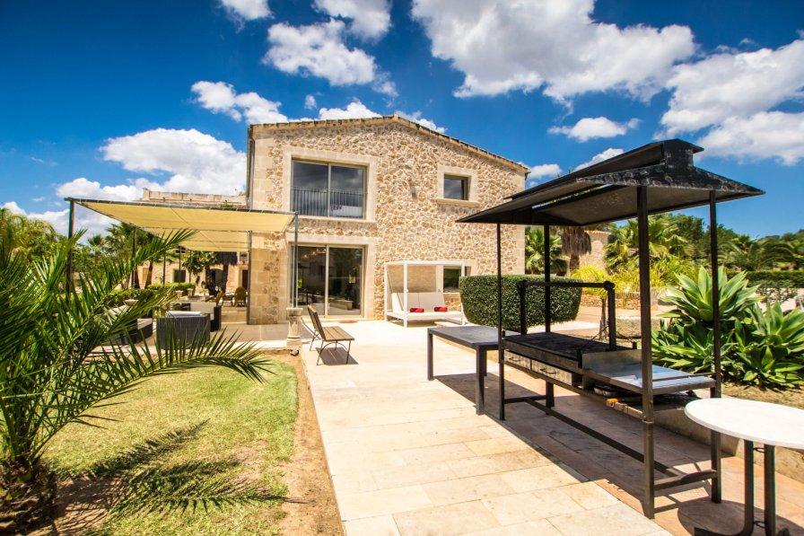 Villa in Spain, Maria de la Salut
