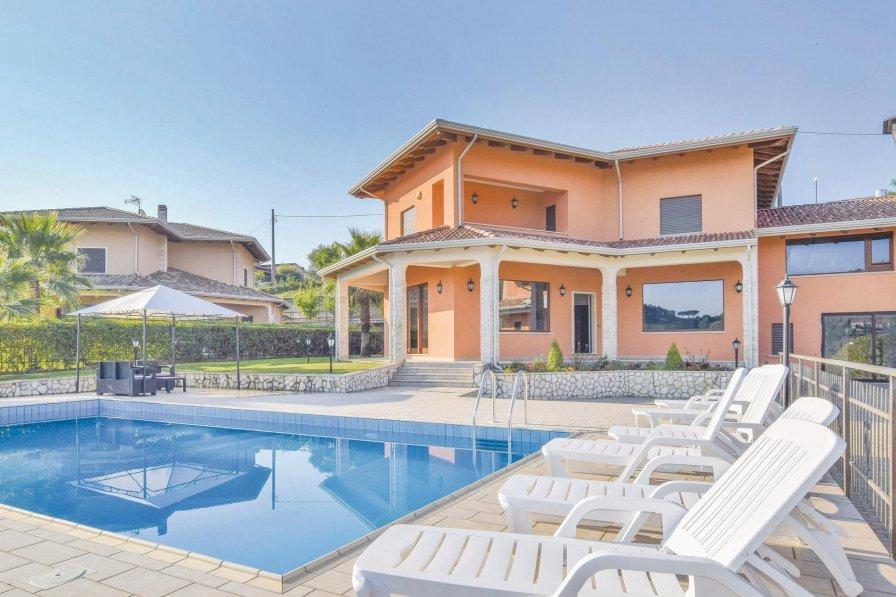 Villa in Italy, Rende