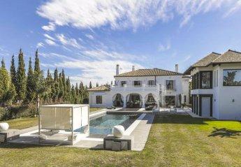 6 bedroom Villa for rent in San Roque