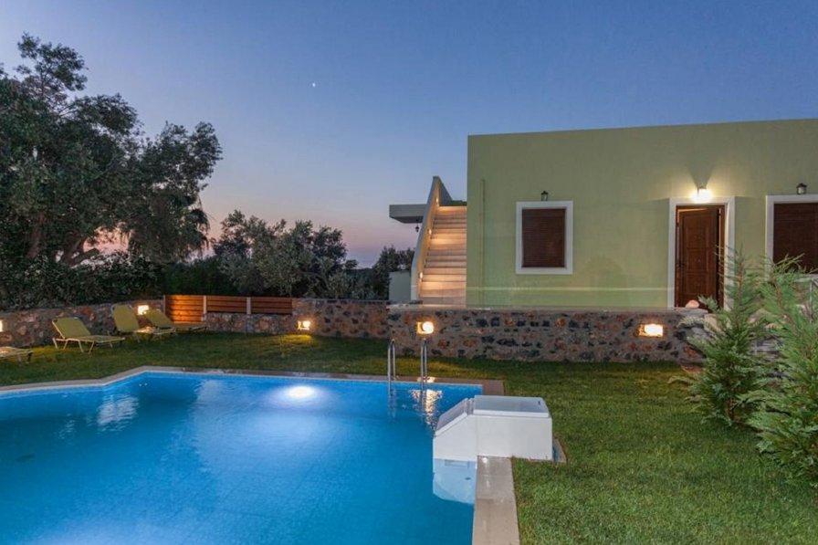 Villa Orange Maroulas