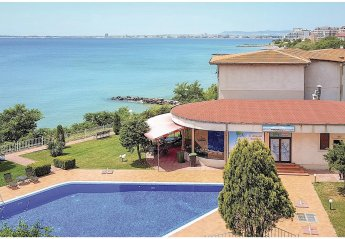 4 bedroom Villa for rent in St Vlas