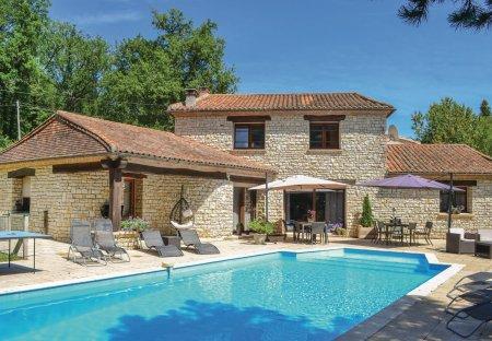 Villa in Montrem, France