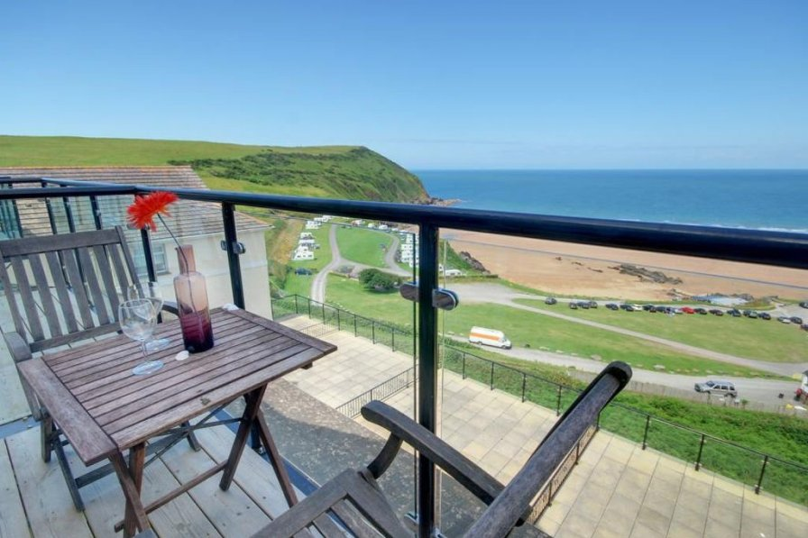 Holiday apartment in Georgeham with swimming pool