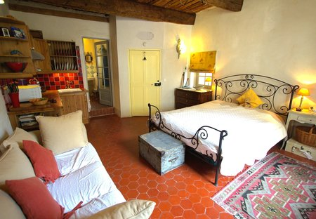 Studio Apartment in Flayosc, the South of France: Flayosc Studio Maison Mimosa