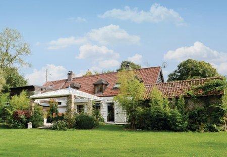 Villa in Estrée-Wamin, France