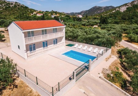 Villa in Raba, Croatia