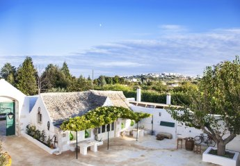6 bedroom Villa for rent in Martina Franca