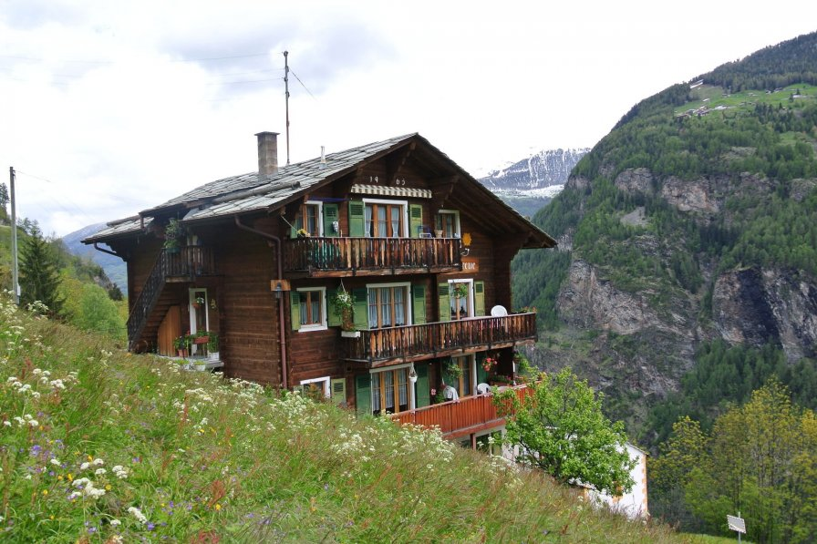 Apartment in Switzerland, Embd