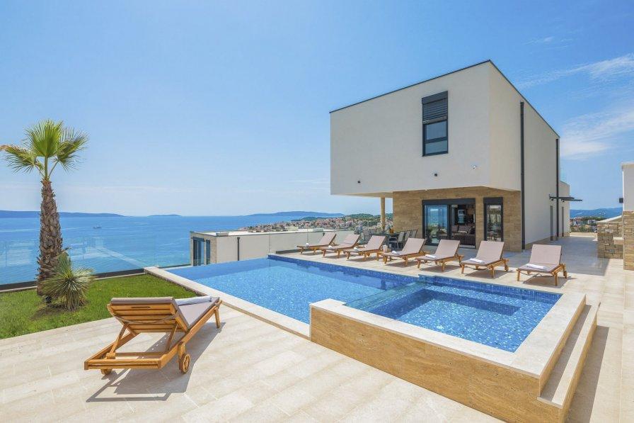 Villa in Croatia, Okrug Gornji