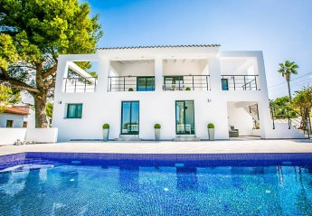 5 bedroom Villa for rent in Moraira