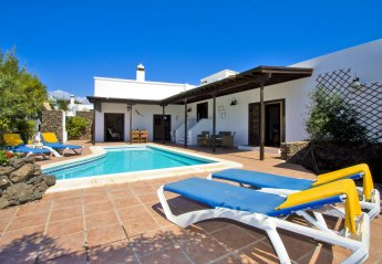 4 bedroom Villa for rent in Puerto del Carmen