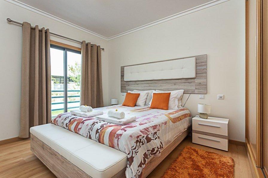 Apartment in Portugal, Quelfes