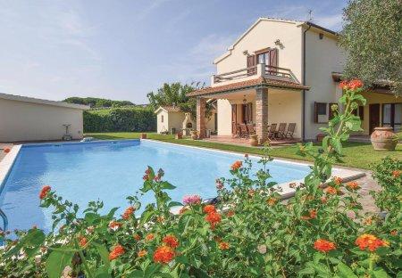 Villa in Orbetello, Italy